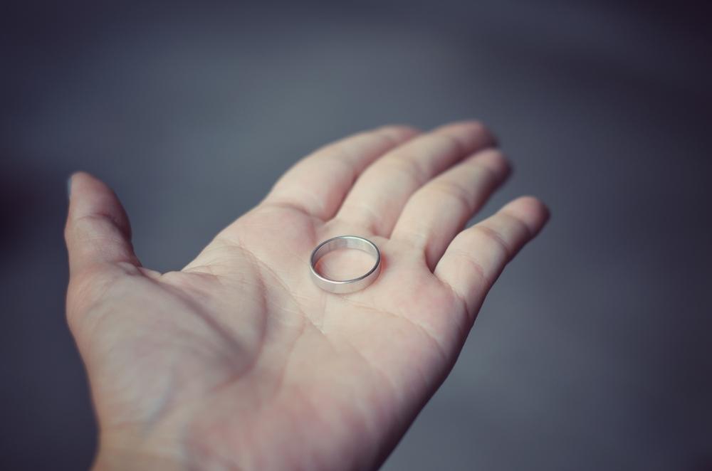 指輪が抜けたシーン