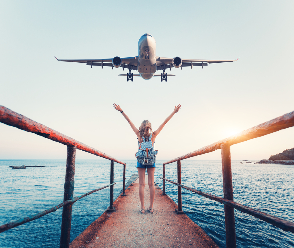 飛行機と女性