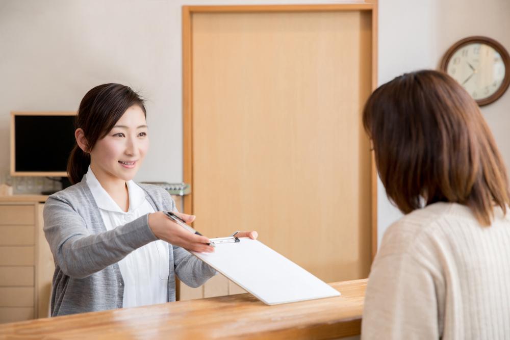 医療事務の資格を取得した主婦