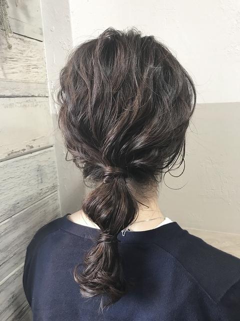 玉ねぎヘアの女性