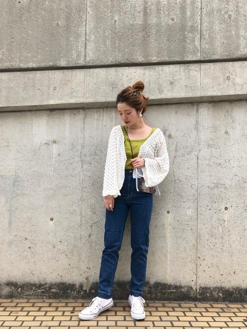レース編みカーディガンコーデ