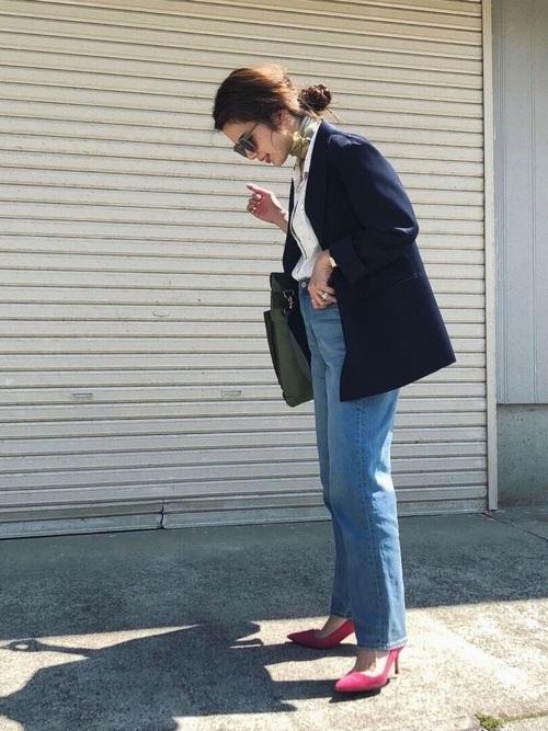 ジャケットを使ったピンク靴コーデ
