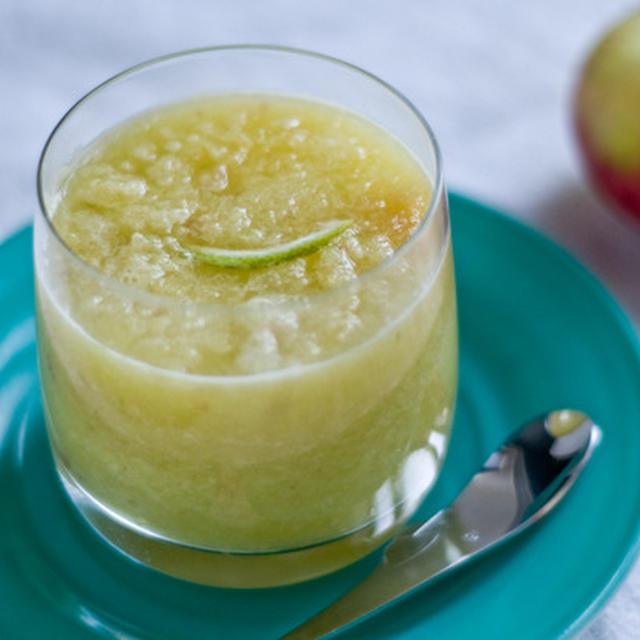 お正月太り解消に。アップルラディッシュスムージーのレシピ
