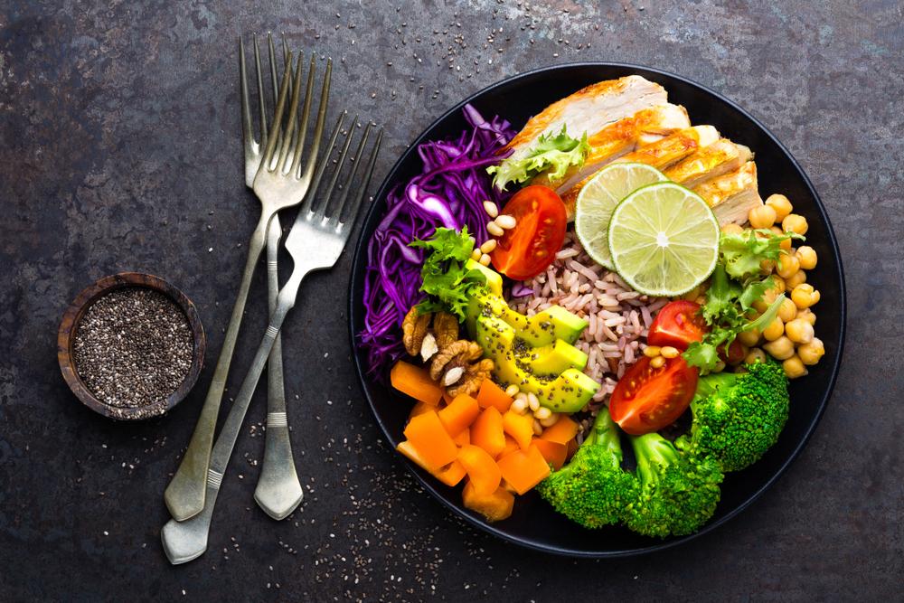 ヘルシーな雑穀米の食事