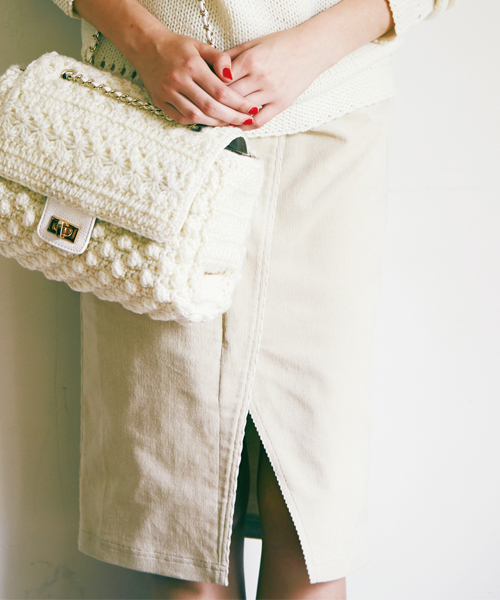 白のコーデュロイスカート