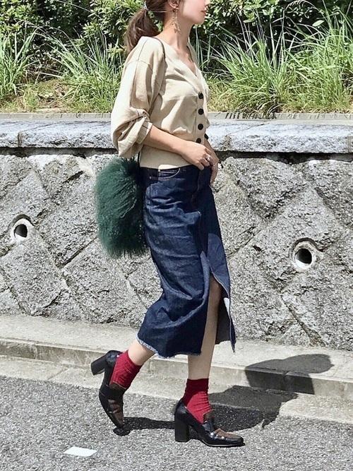 20代のハイヒール×靴下コーデ