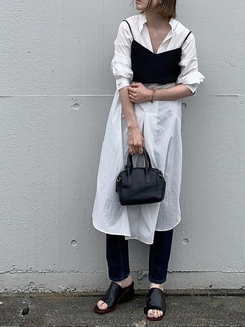 モノトーンファッションのおすすめ春コーデ