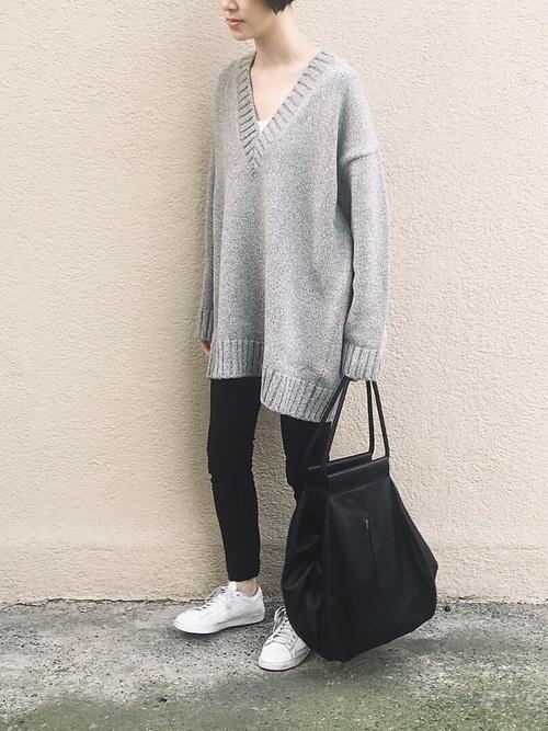 モノトーンファッションのおすすめ秋コーデ