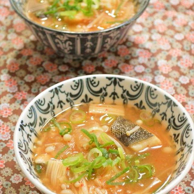 タラとキムチの味噌汁