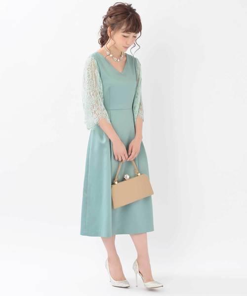ミントブルーのドレス