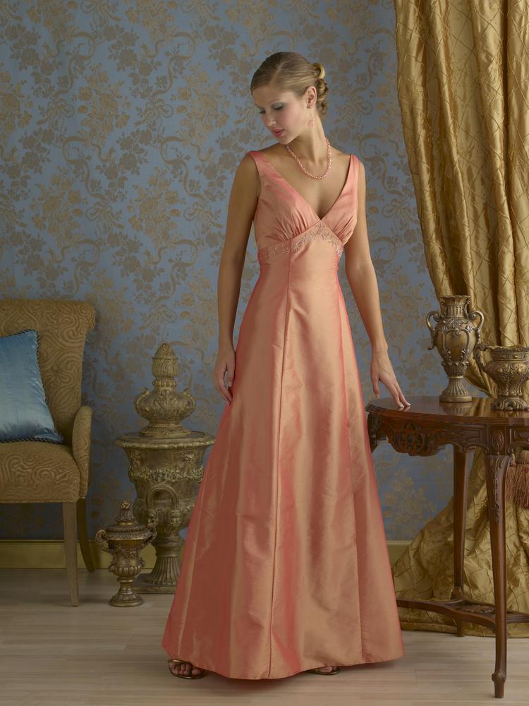 イブニングドレス姿の女性