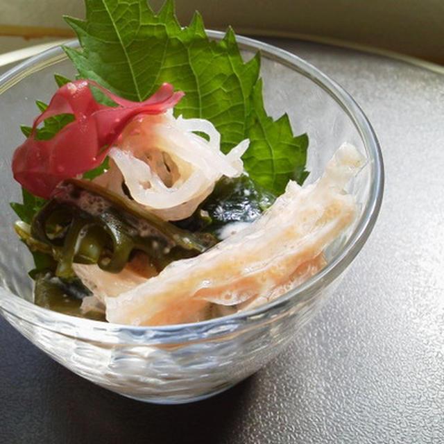 海藻とこんにゃくのチーズ明太子ソース