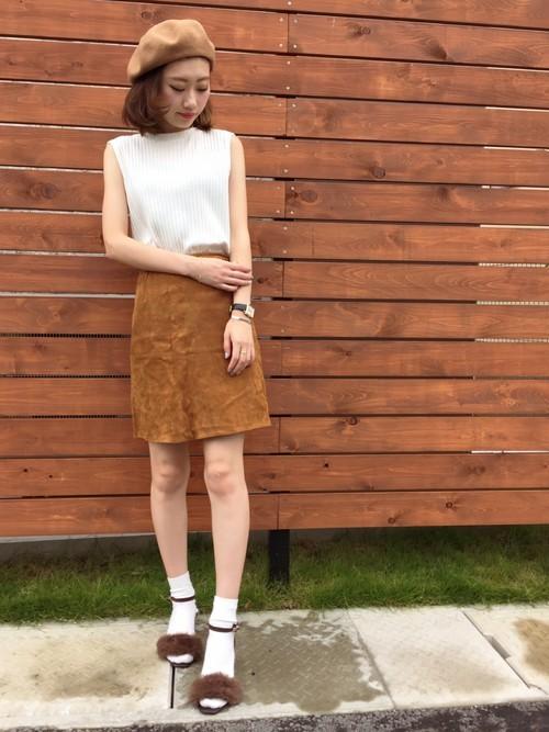 スエードスカートの夏コーデ