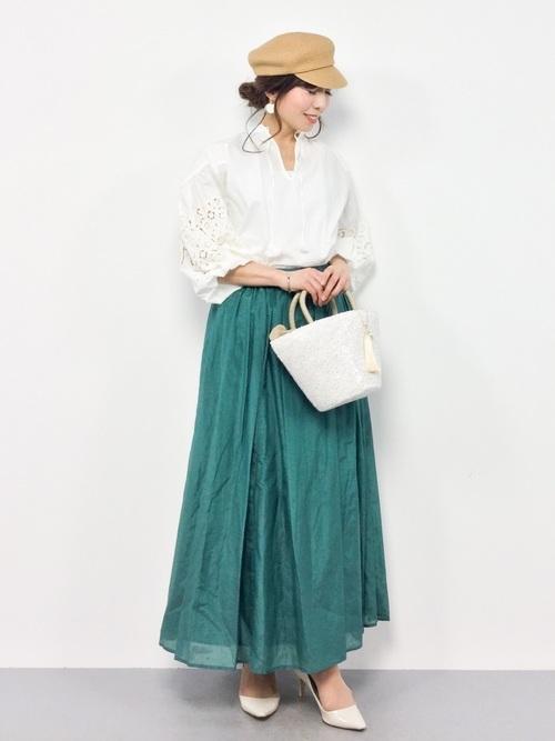フレアスカートを使ったキャスケットの春コーデ