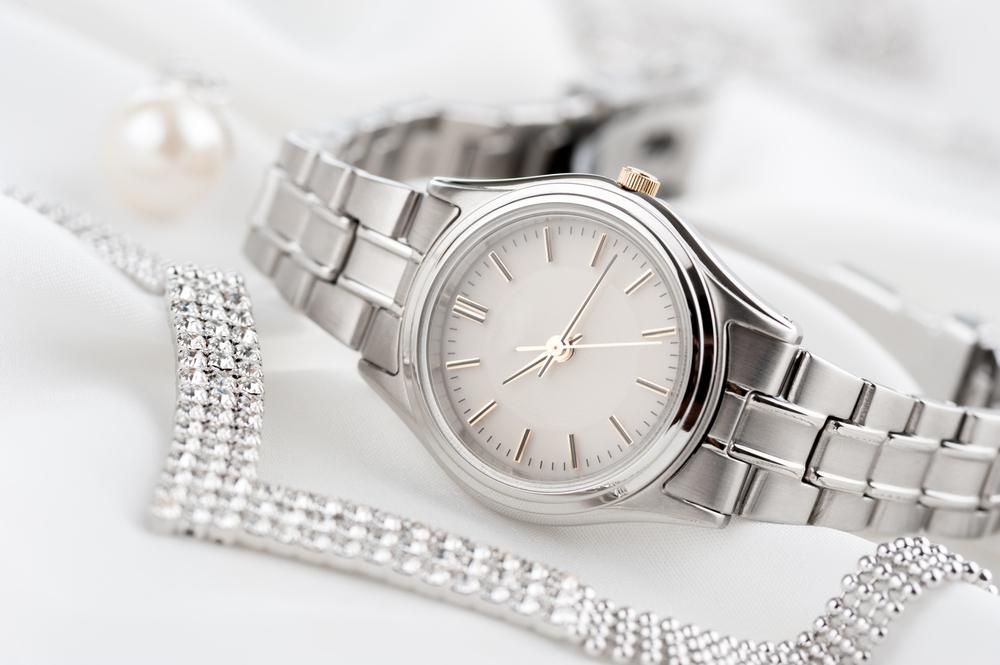 女性用の腕時計