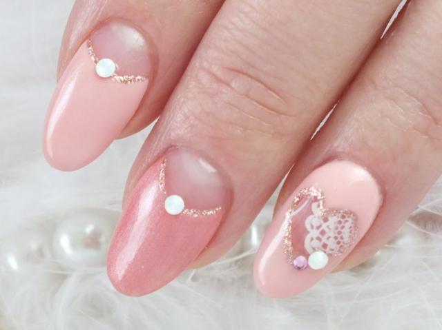 ピンクの逆フレンチネイル