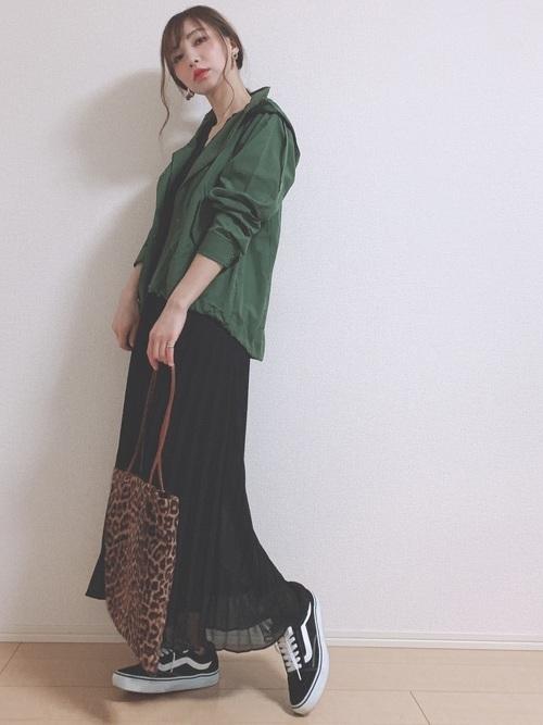 ユニクロのプリーツスカートの秋コーデ