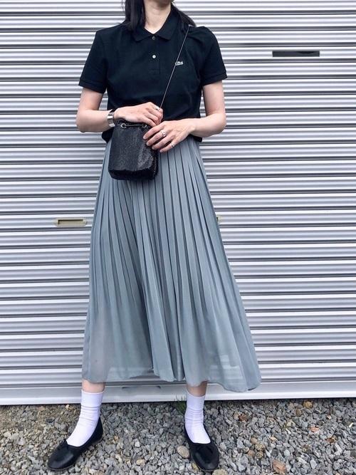 ユニクロのグリーンプリーツスカートのコーデ