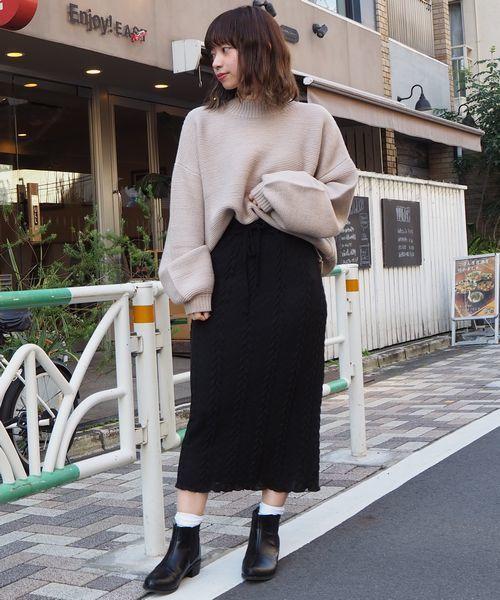 スカート×靴下×ブーツ