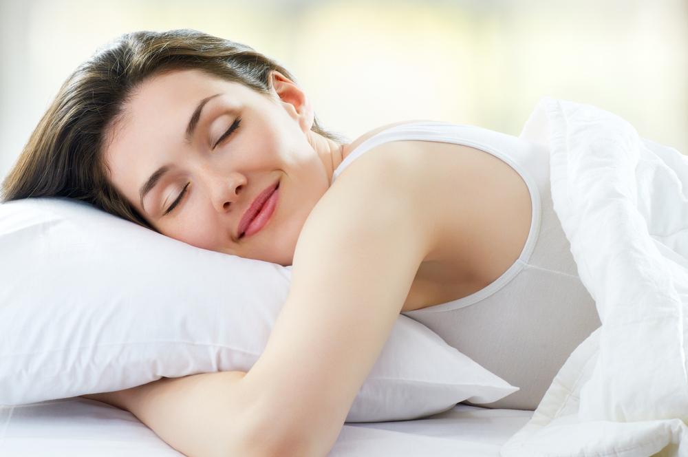 デート前日に熟睡している女性