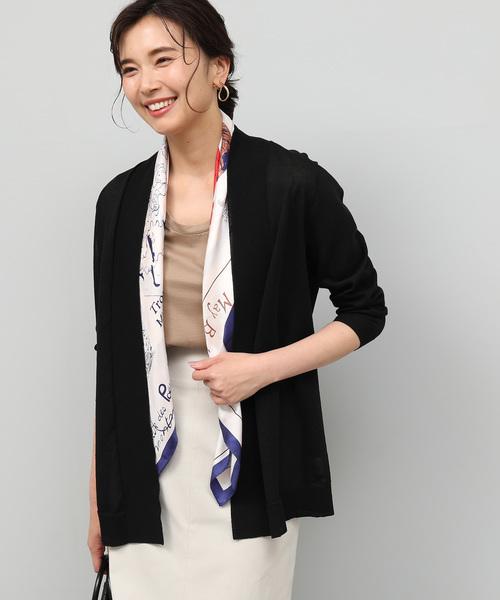 秘書の服装におすすめの黒カーディガンのコーデ