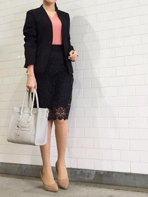 秘書の服装におすすめのバッグと靴のコーデ