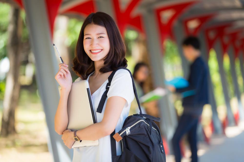 大学生の女性