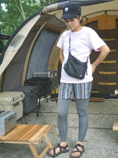 夏のキャンプの服装