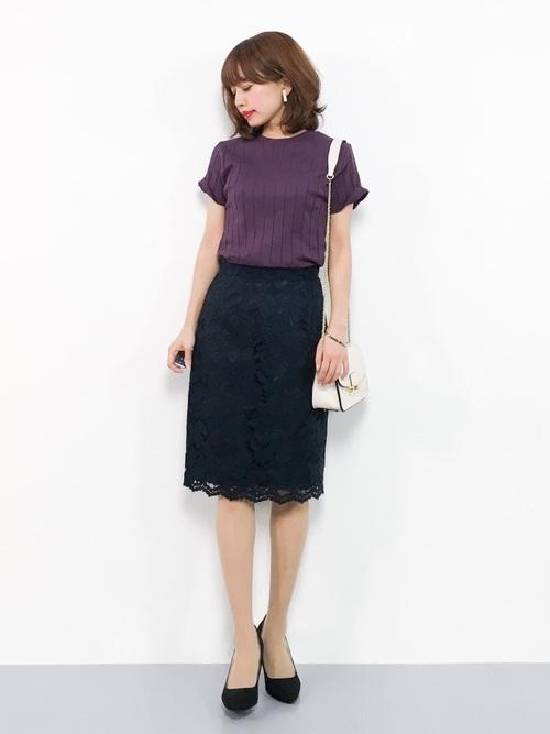 紫Tとネイビースカートのコーデ