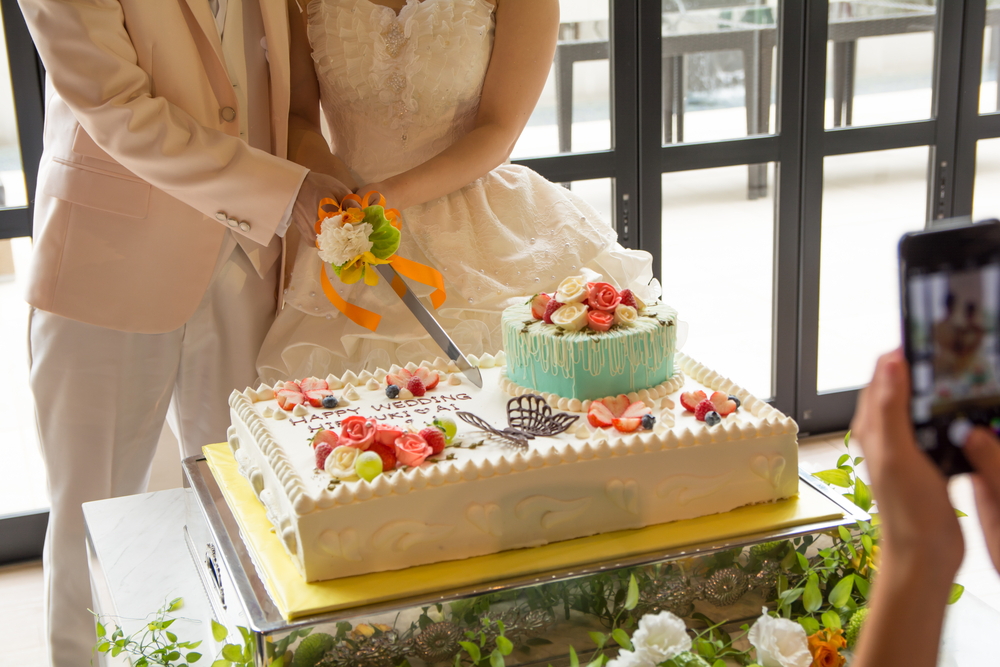 結婚披露宴のウェディングケーキの演出