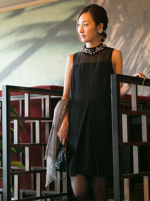ディナーショーにおすすめのブラックドレス