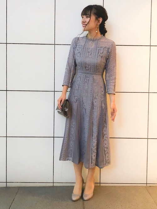 ブルーグレーのドレス