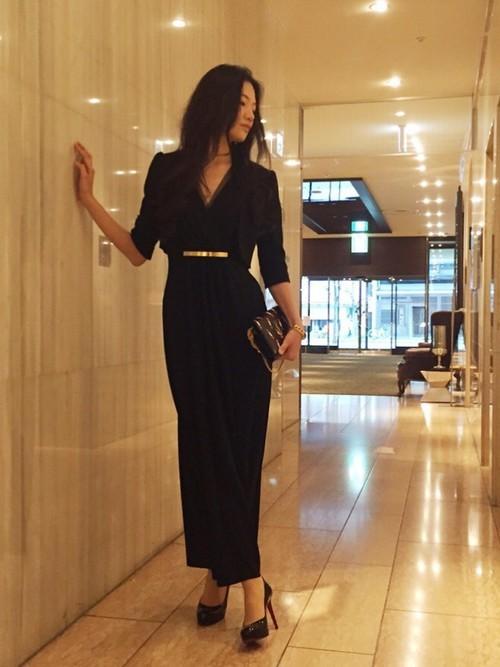 黒のロングドレス