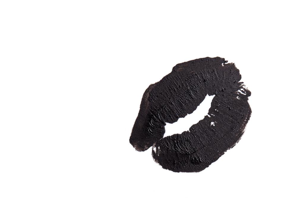 黒のキスマーク