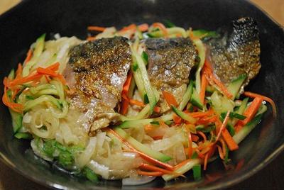 野菜もたっぷり☆鯖のさっぱり酢じめサラダ風 <ノルウェー塩鯖を使って・・・>のレシピ