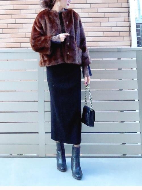 ボリュームアウターとタイトスカート