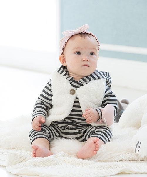 冬生まれの新生児の部屋着