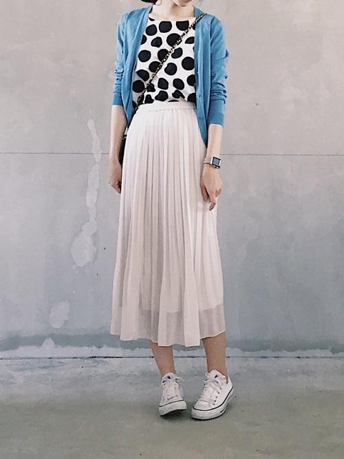 UNIQLO(ユニクロ)の水玉ブラウス×プリーツスカート