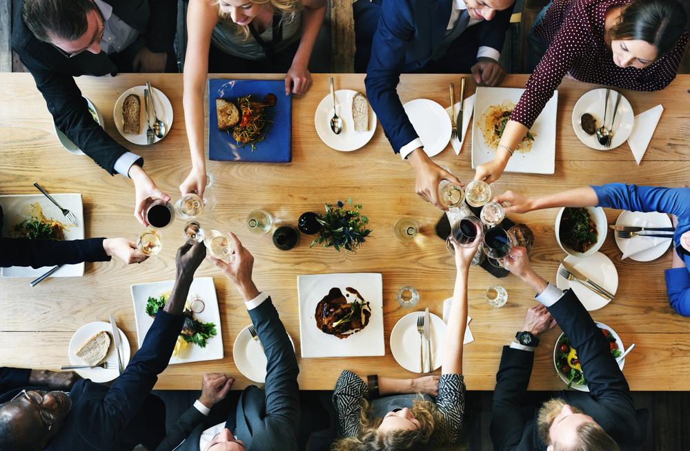 接待の食卓