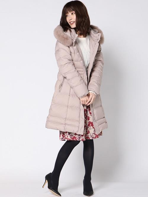 花柄スカートを使ったピンクダウンコーデ