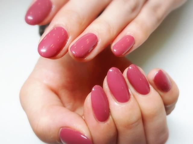 ピンクのワンカラーネイル