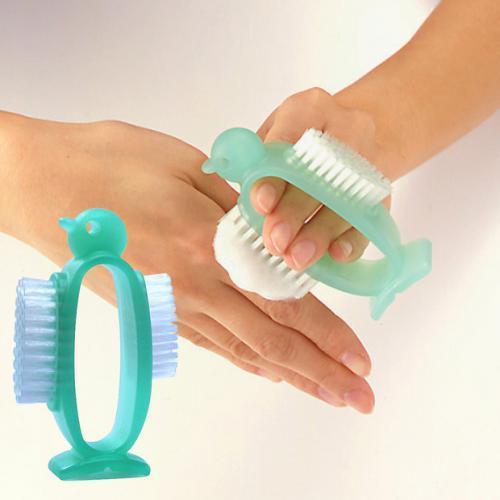 アズマ工業の爪ブラシ