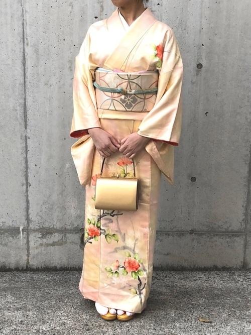 着物を使った高校卒業式の母親の服装