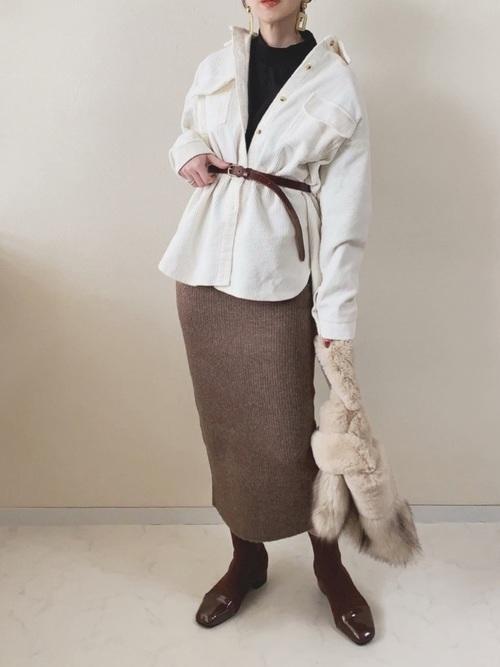 コーデュロイシャツ×ニットスカート