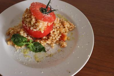 丸ごとトマトのもち麦リゾットのレシピ