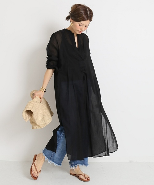 黒のシャツドレス