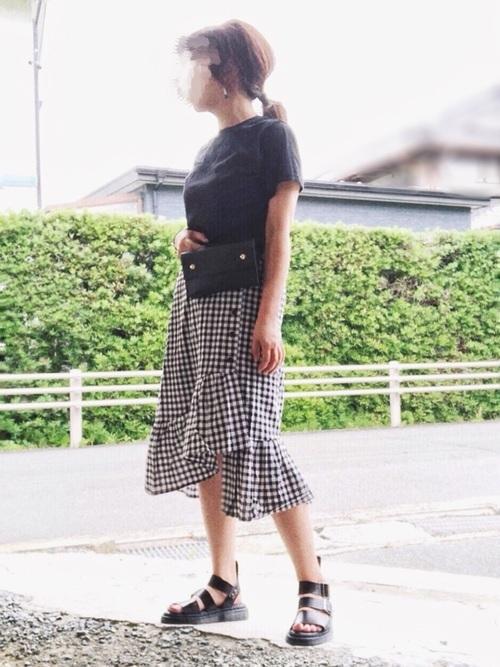 白黒チェックのマーメイドフレアスカート