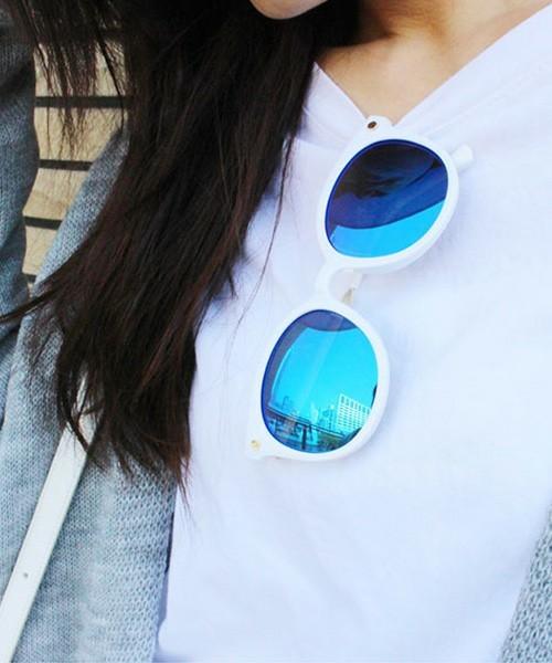 ミラーレンズのサングラス