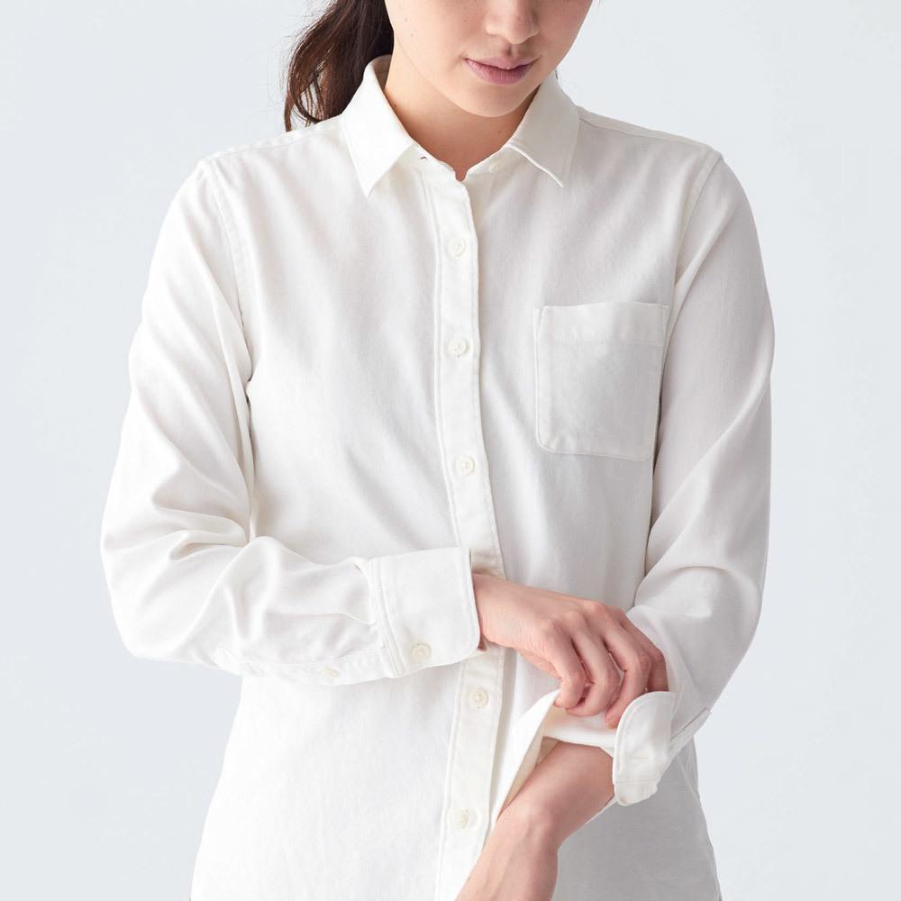 無印良品のコットンシャツ