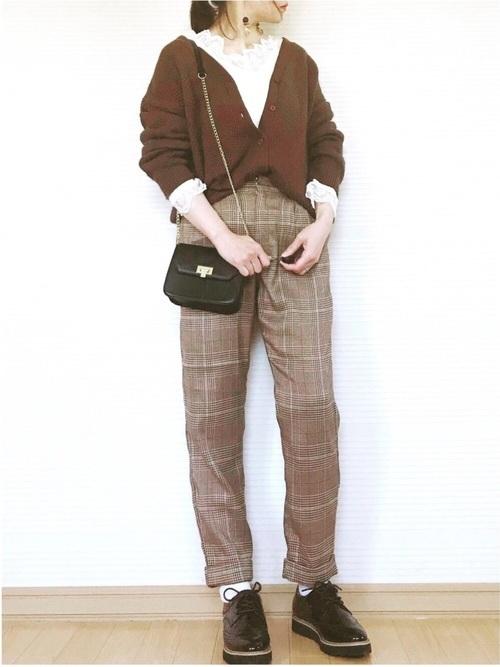 チェックパンツを使った梨狩りの服装